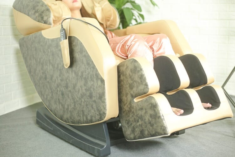 Ghe Massage Gia Re 2020 Queen Crown Qc F5